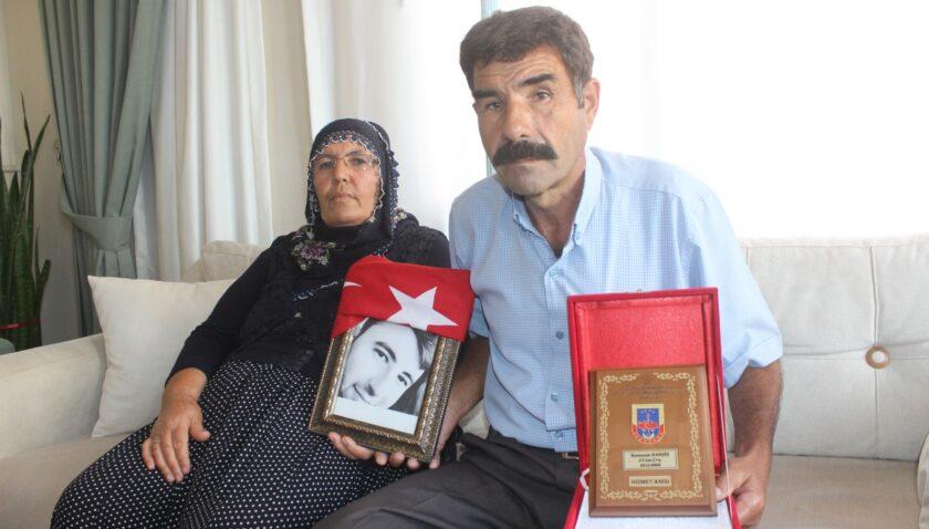 Şehit anne babasından CHP'li ve HDP'lilere: 'Yazıklar Olsun'