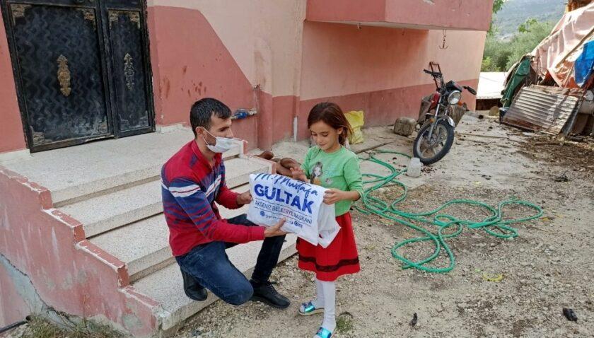 Akdeniz Belediyesi, bin 500 öğrenciye kırtasiye desteği verecek