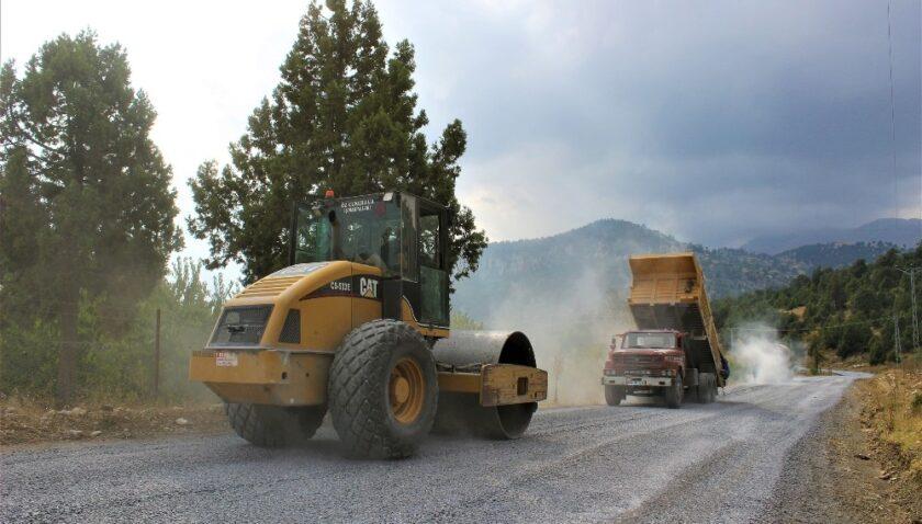 Büyükşehir, asfalt çalışmalarına devam ediyor