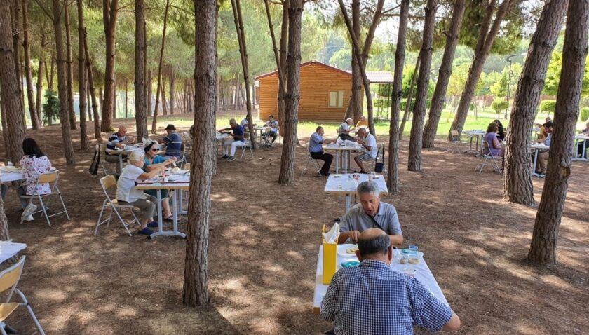 Emekliler, Tarsus Gençlik Kampında stres attı