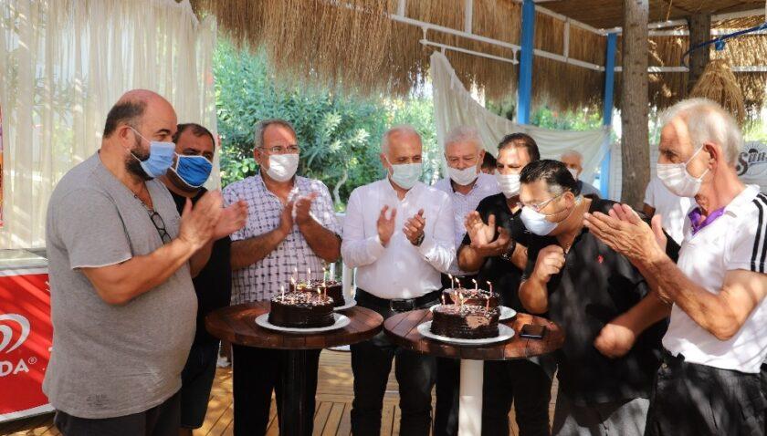Gültak'tan muhtarlara 'Muhtarlar Günü' sürprizi