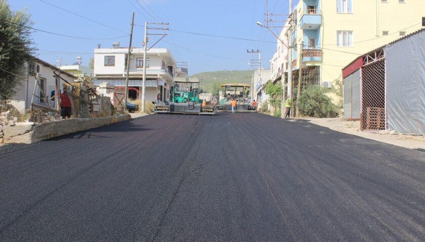 Silifke'de asfalt çalışmaları devam ediyor