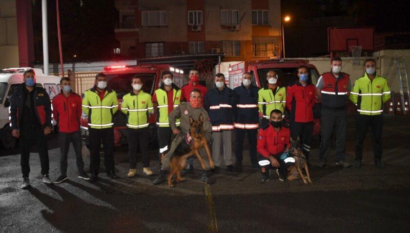 7 kişinin canlı olarak enkazdan çıkarılmasına yardım eden ekip, Mersin'e döndü