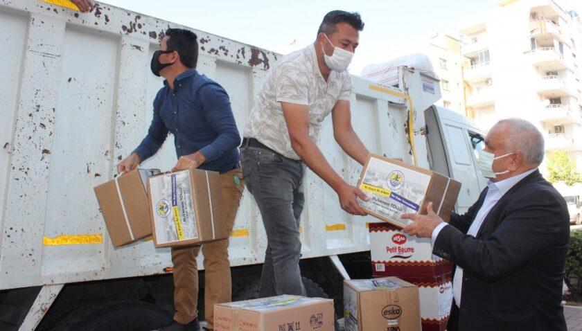 Erdemli'den depremzedelere 1 kamyon dolusu yardım
