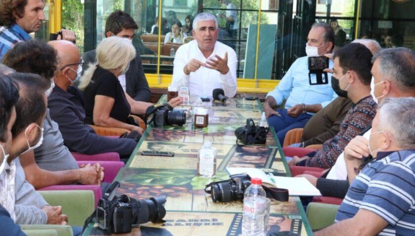 Gündeş, Anamur'da gazetecilerle buluştu