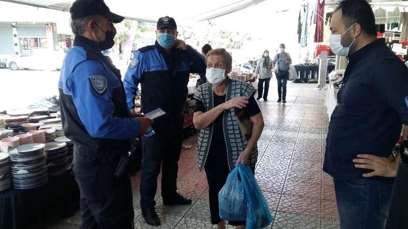Mersin polisi korona virüse karşı vatandaşları bilgilendirdi