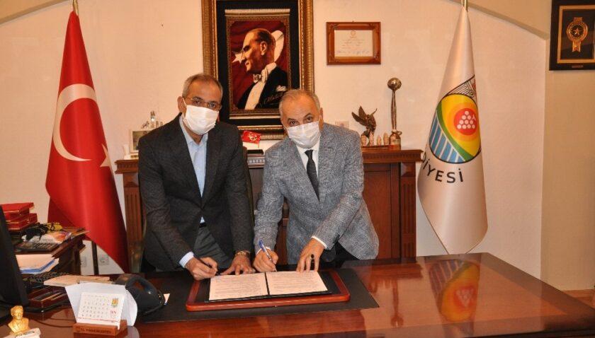 Tarsus'ta esnaf ile belediye arasında eğitim ve iş birliği protokolü