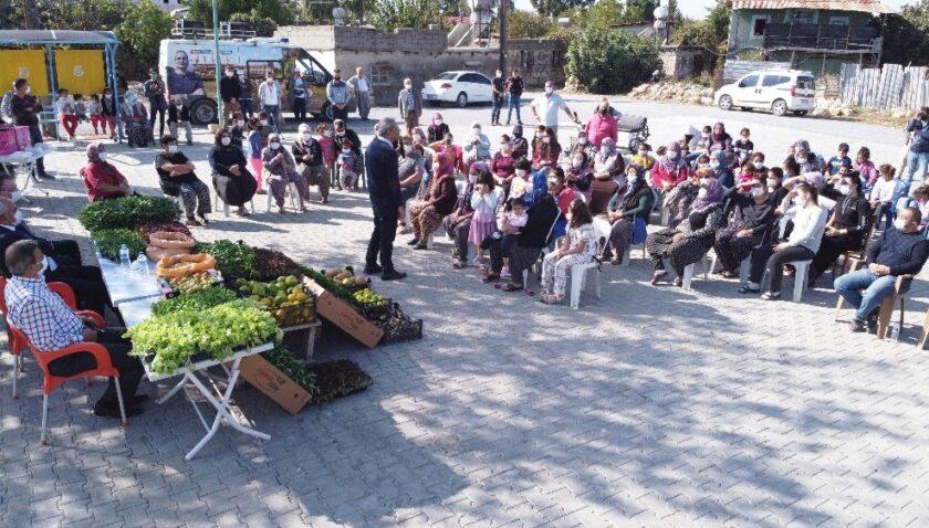 Tarsus'ta yerli tohumların dağıtımı sürüyor