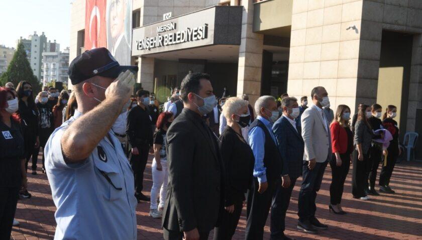 Yenişehir Belediye personeli Ata'yı andı