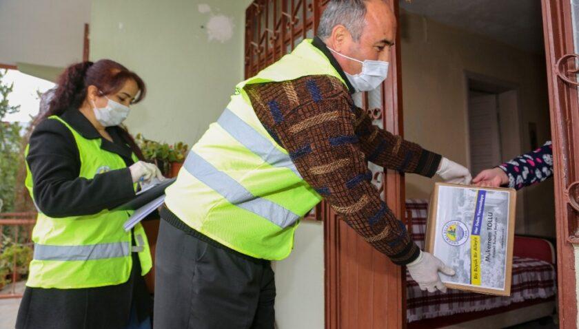 Erdemli Belediyesi, pandemi sürecinde 3 bin aileye yardım etti