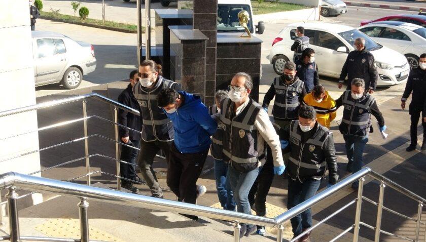 Polise ateş açan suç makinesi gaspçılar adliyeye sevk edildi