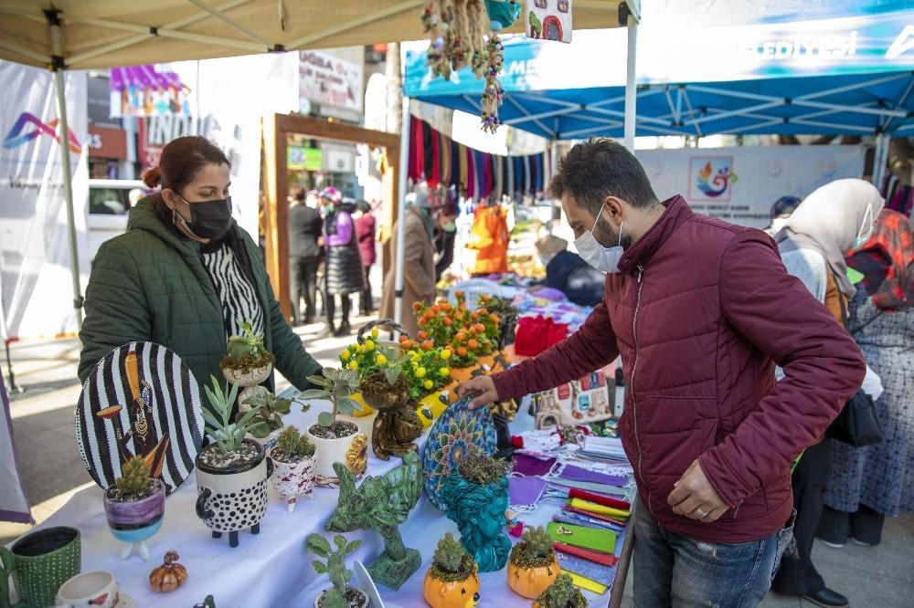 Kadın üreticiler Yoğurt Pazarında buluştu