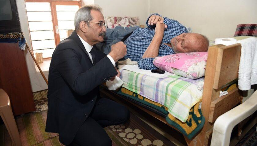 Vatandaş talep etti, doktor Belediye Başkanı Bozdoğan muayene etti