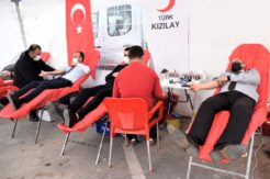Toroslar Belediyesi, Kızılay ile birlikte kan bağışı kampanyası düzenledi