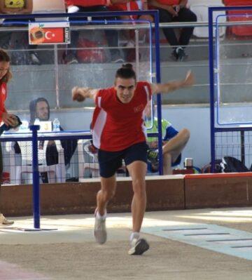 Toroslar Belediyesi'nin bocce milli takım oyuncusu Mehmet Can, İtalya'ya transfer oldu