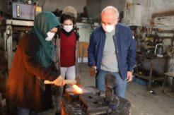 Başkan Gültak'tan, ödüllü demirci ustası kadına ziyaret