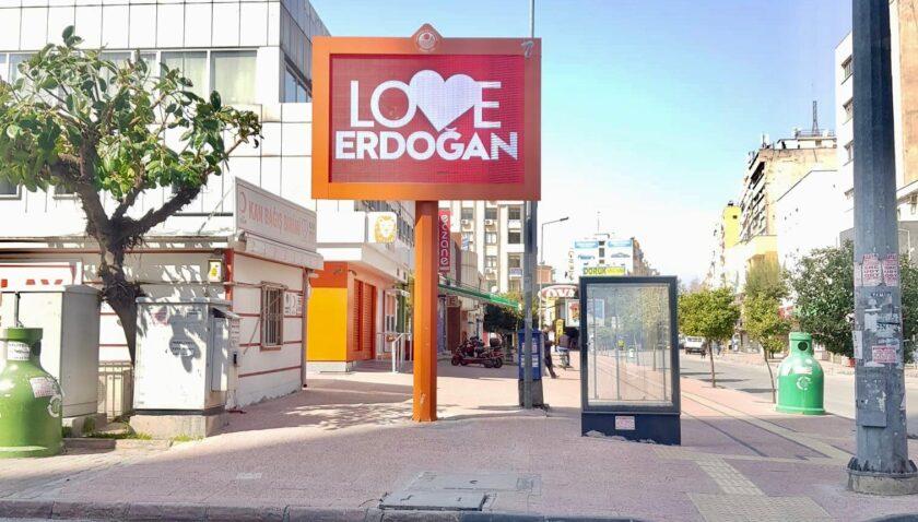 Erdoğan görseline ilk tepki Mersin'den geldi