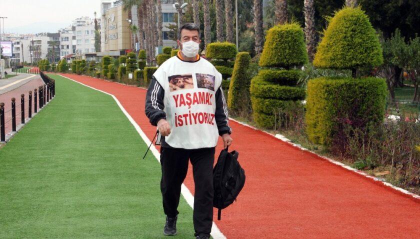 Hayvan haklarına dikkat çekmek için Mersin'den İzmir'e yürüyecek