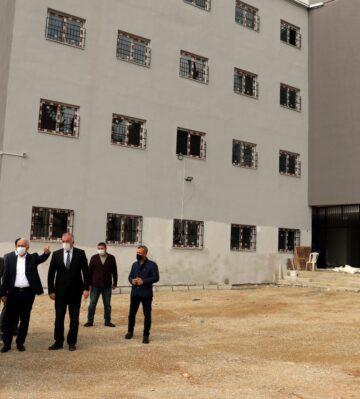 Mersin'de eski tıp fakültesi yerleşkesi okul oluyor