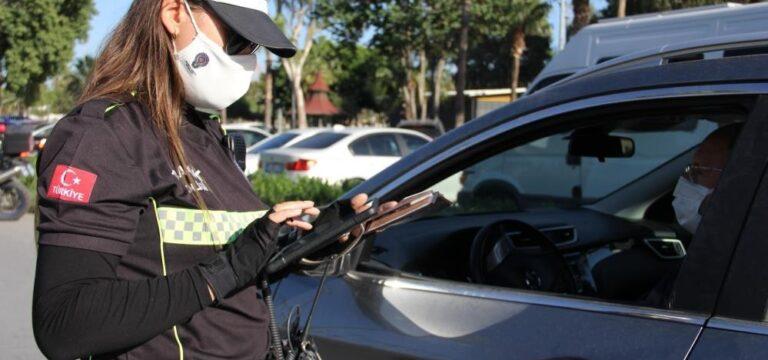 Mersin'de kırmızı ışık ihlali yapan 184 sürücüye ceza yazıldı