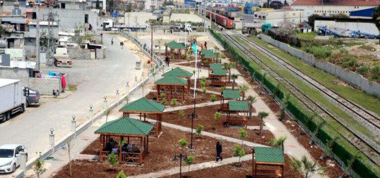 Akdeniz'de 9,5 dönümlük parkın çalışmaları son hız sürüyor