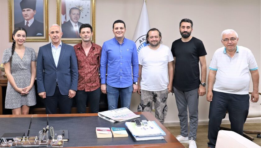 """""""Bayram Şekeri"""" oyuncularından Başkan Gültak'a ziyaret"""