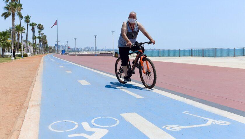 Mersin Büyükşehir Belediyesinden yayalara 'Bisiklet Yolu' çağrısı