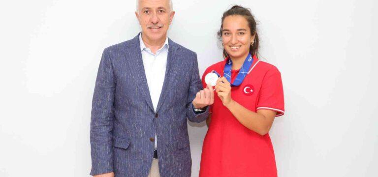 Başkan Gültak'tan Milli Sporcu Miray Ulaş'a destek sözü