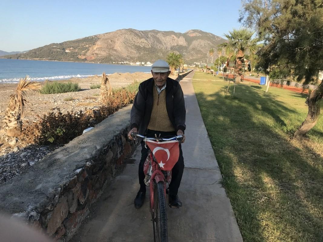 Fevzi Dede'nin uzun yaşamının sırrı 'spor ve sağlıklı beslenme'