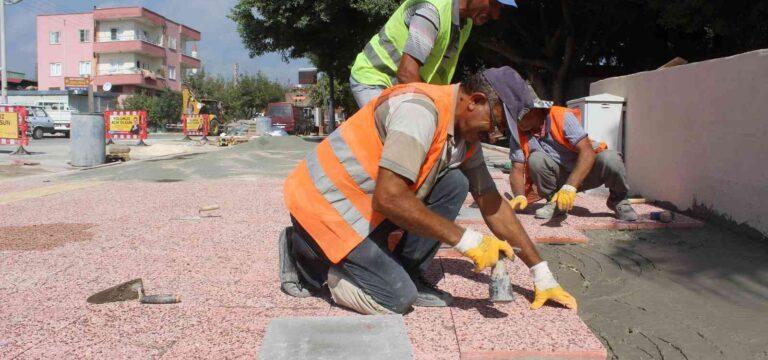 Mersin'de kaldırımlar özel gereksinimli bireyler için düzenleniyor
